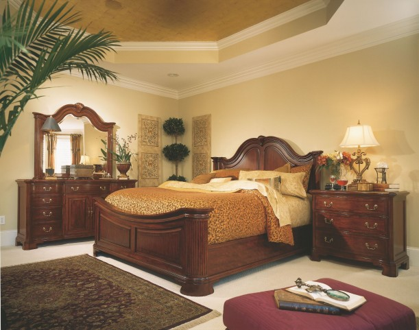 Cherry Grove Classic Antique Cherry Mansion Bedroom Set