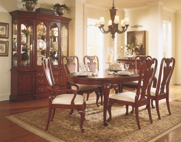 Cherry Grove Classic Antique Cherry Oval Leg Extendable Dining Room Set