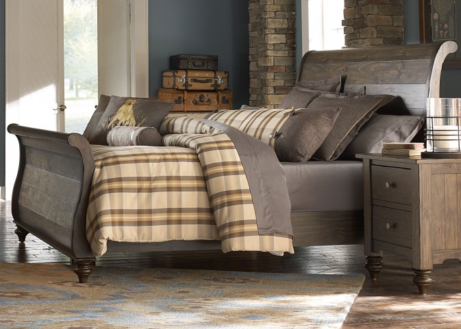 Southern Pines King Sleigh Bed