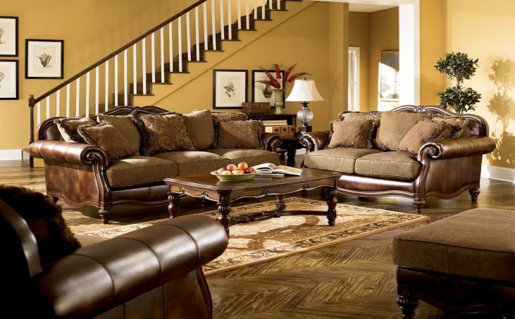 Claremore Antique Living Room Set