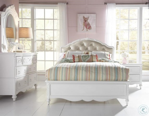 SweetHeart Twin Upholstered Bed