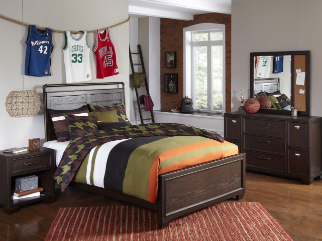 ClubHouse Full Panel Bed