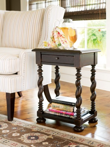 Paula Deen Home Tobacco Sweet Tea Side Table