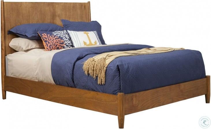 Flynn Acorn King Panel Bed