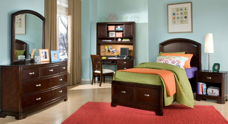 Park City Merlot Platform Storage Bedroom Set