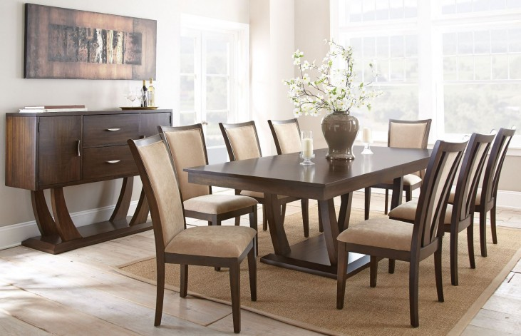 Gabrielle Extendable Rectangular Dining Room Set
