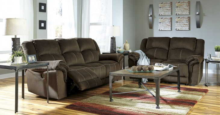 Quinnlyn Coffee Power Reclining Living Room Set