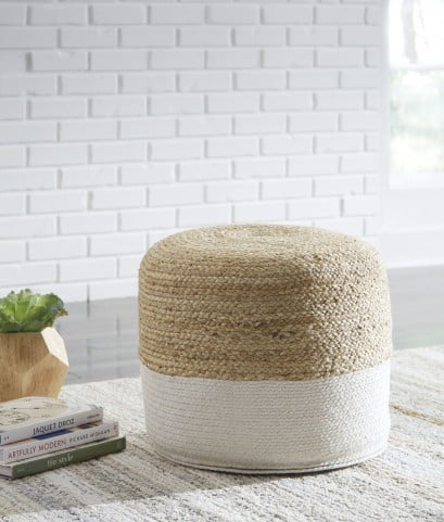 Sweed Valley Natural And White Pouf