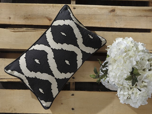 Tildy Black and Natural Pillow Set of 4