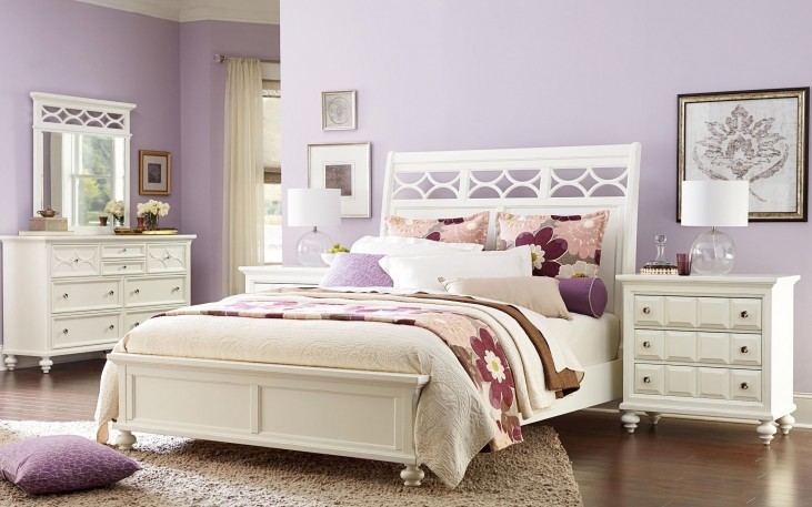 Lynn Haven Soft Dover White Sleigh Bedroom Set