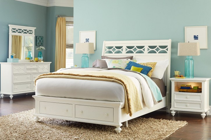 Lynn Haven Soft Dover White Sleigh Storage Bedroom Set