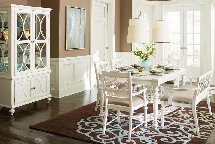 Lynn Haven Soft Dover White Leg Extendable Dining Room Set