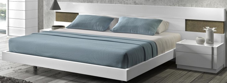 Amora Natural White Lacquer Queen Platform Bed