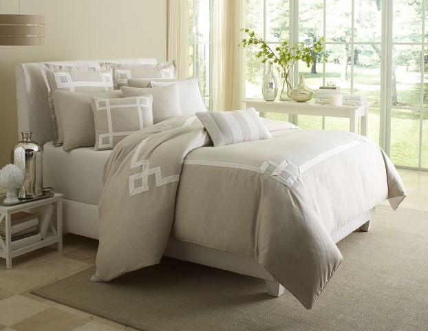 Avenue A Natural King 10 piece Comforter Set