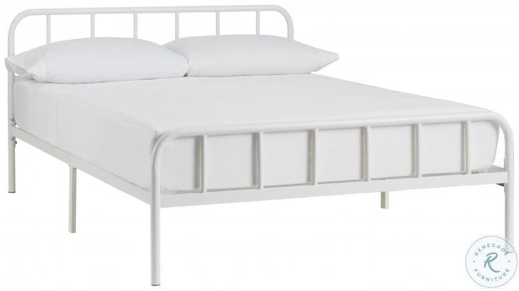 Trentlore White Full Platform Bed