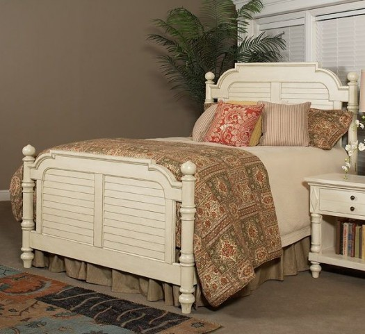 Woodhaven Antique White King Poster Bed