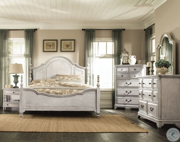 Windsor Lane Weathered White Drawer Dresser