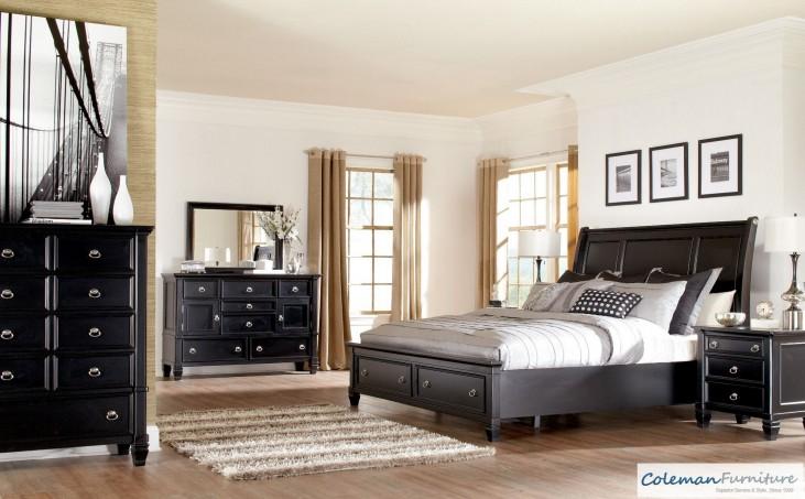 Greensburg Storage Sleigh Bedroom Set