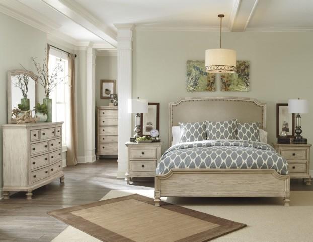 Demarlos Upholstered Panel Bedroom Set