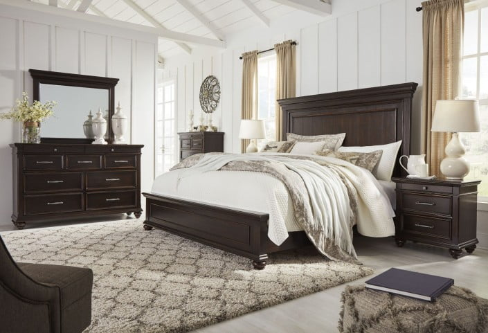 Brynhurst Dark Brown Panel Bedroom Set