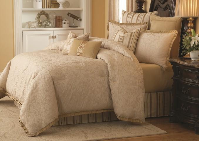 Carlton King 10 Pcs Comforter Set