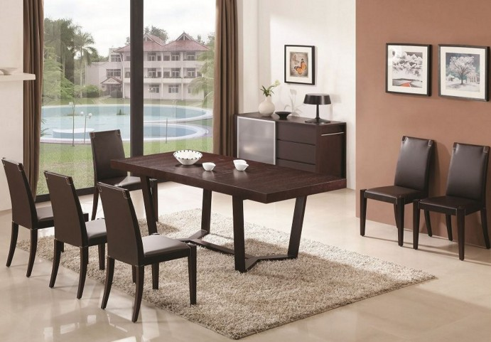 Class Extendable Rectangular Dining Room Set