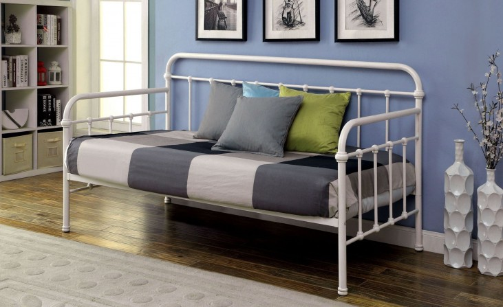 Claremont Vintage White Metal Daybed