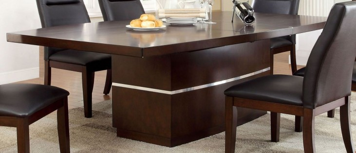 Lawrence Extendable Dining Table
