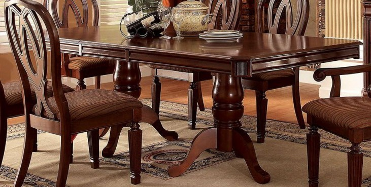 Harwinton Extendable Rectangular Dining Table