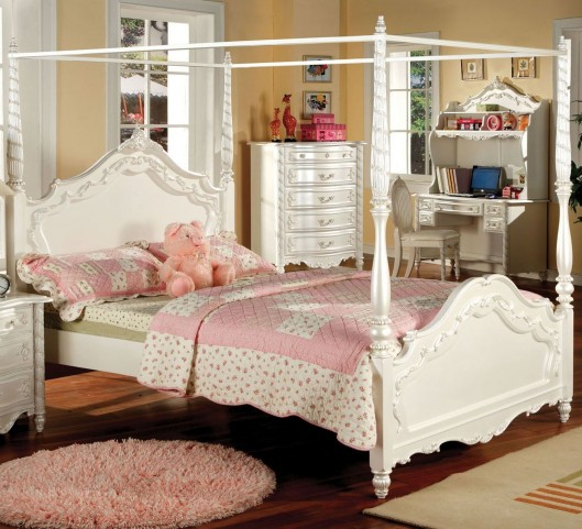 Victoria Pearl White Twin Poster Bed