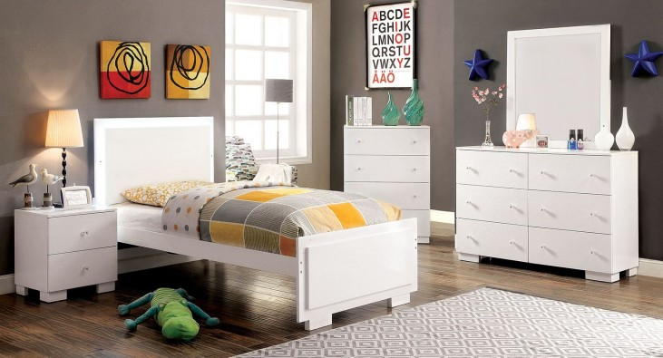 Lizbeth White Youth Platform Bedroom Set