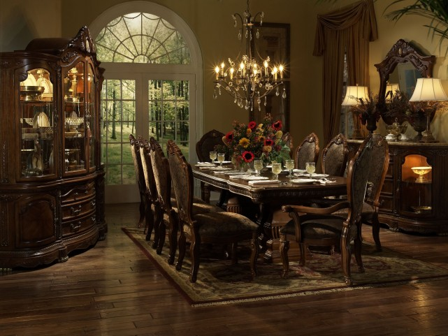 Cortina Extendable Dining Room Set