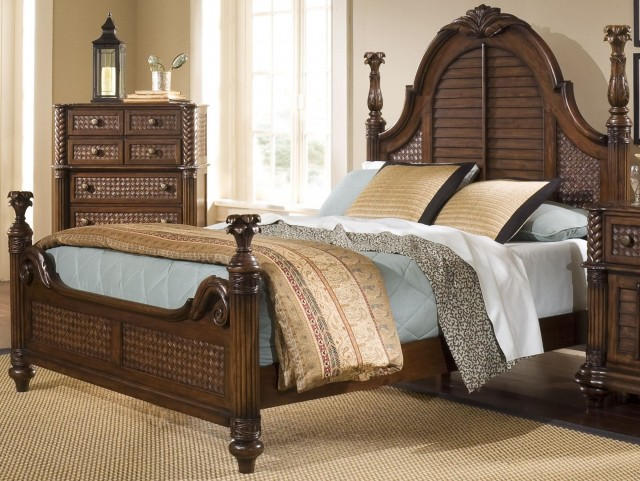 Palm Court II Coco Brown Queen Poster Bed