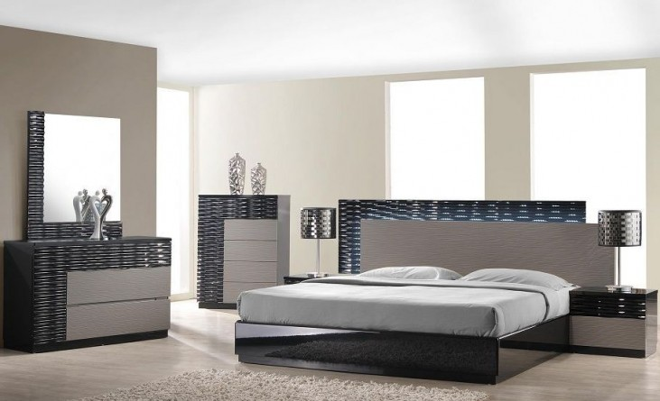 Roma Black and Grey Lacquer Platform Bedroom Set