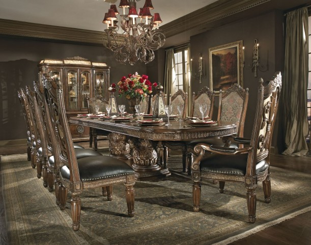 Villa Valencia Rectangular Extendable Dining Room Set