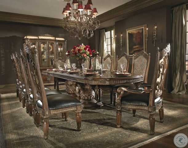 Villa Valencia Rectangular Extendable Dining Room Set