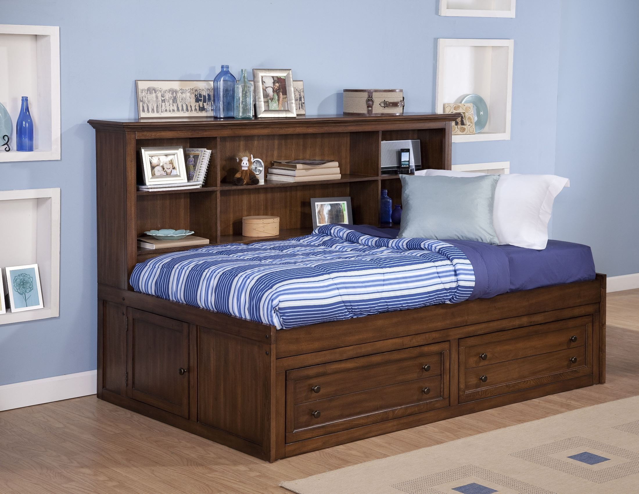 Logan Spice Twin Lounge Bed From New Classics 05 100 512