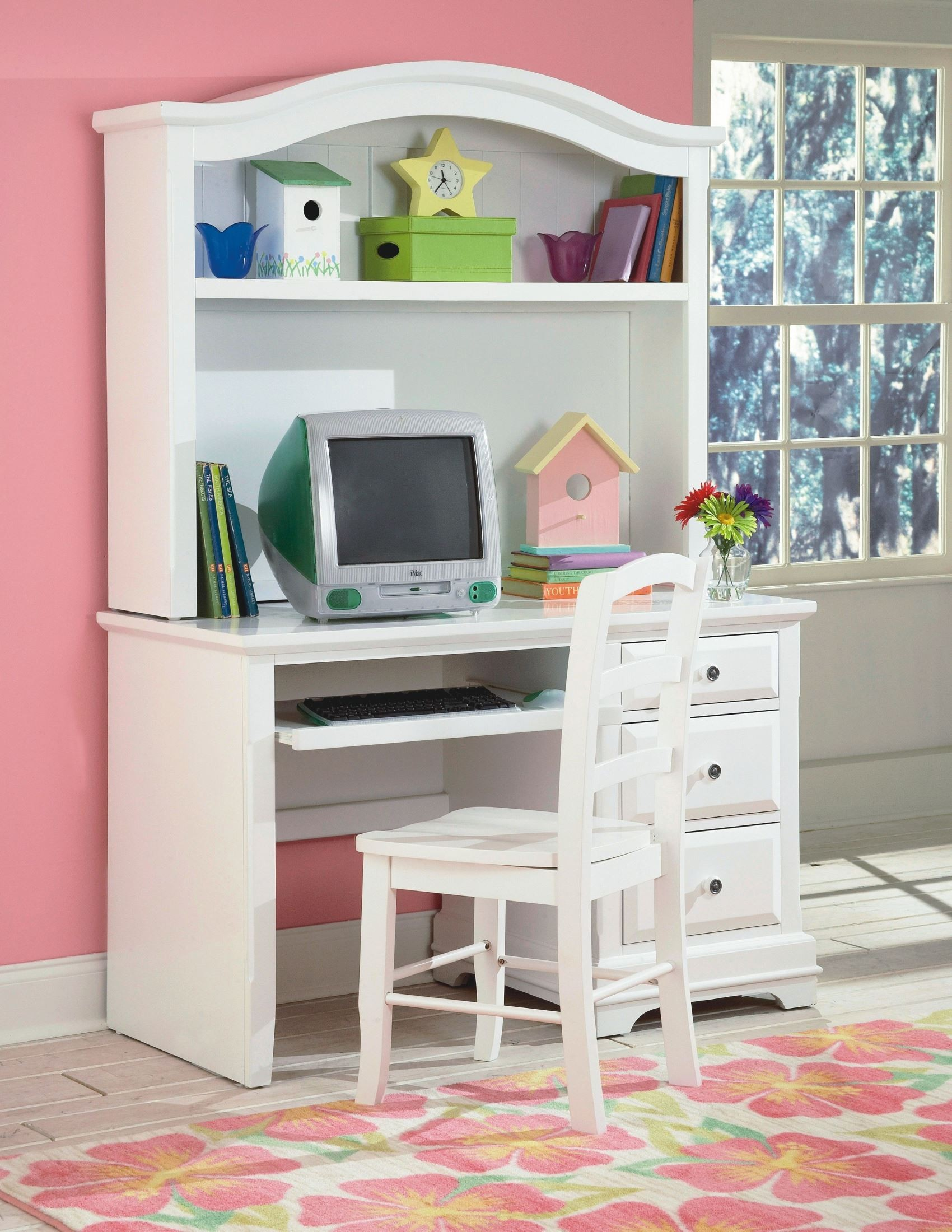 bayfront white student desk with hutch from new classics 1415 091 092 coleman furniture. Black Bedroom Furniture Sets. Home Design Ideas