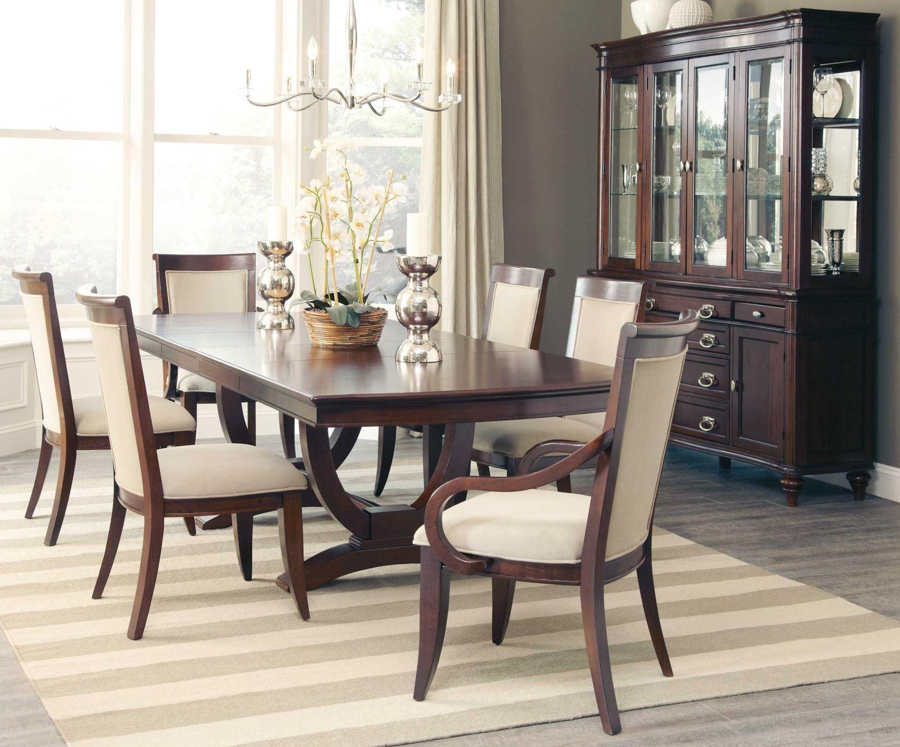 Alyssa rectangular extendable dining room set from coaster for Medium dining room ideas
