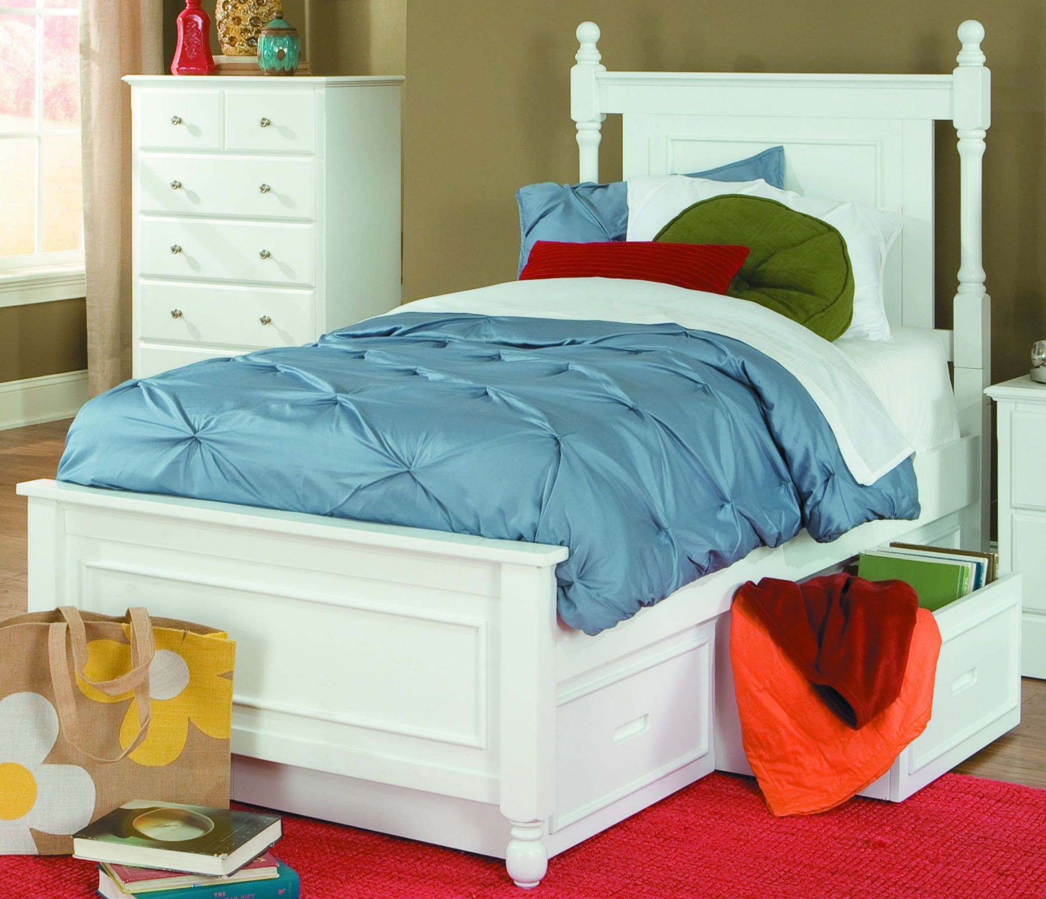 Morelle white twin bed with twin trundle from homelegance White twin trundle bedroom set