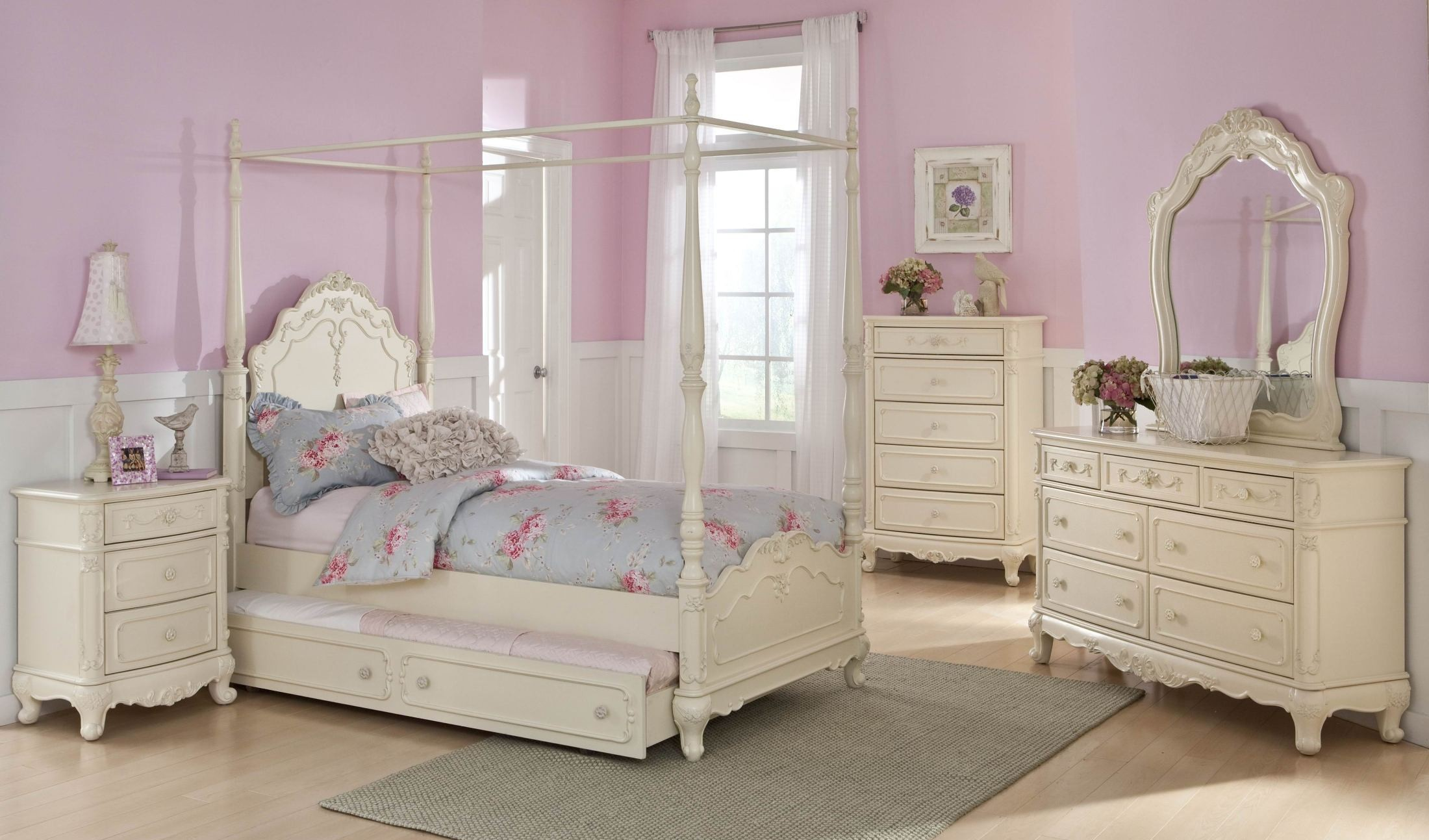 Cinderella youth canopy poster bedroom set from for Canopy bedroom furniture