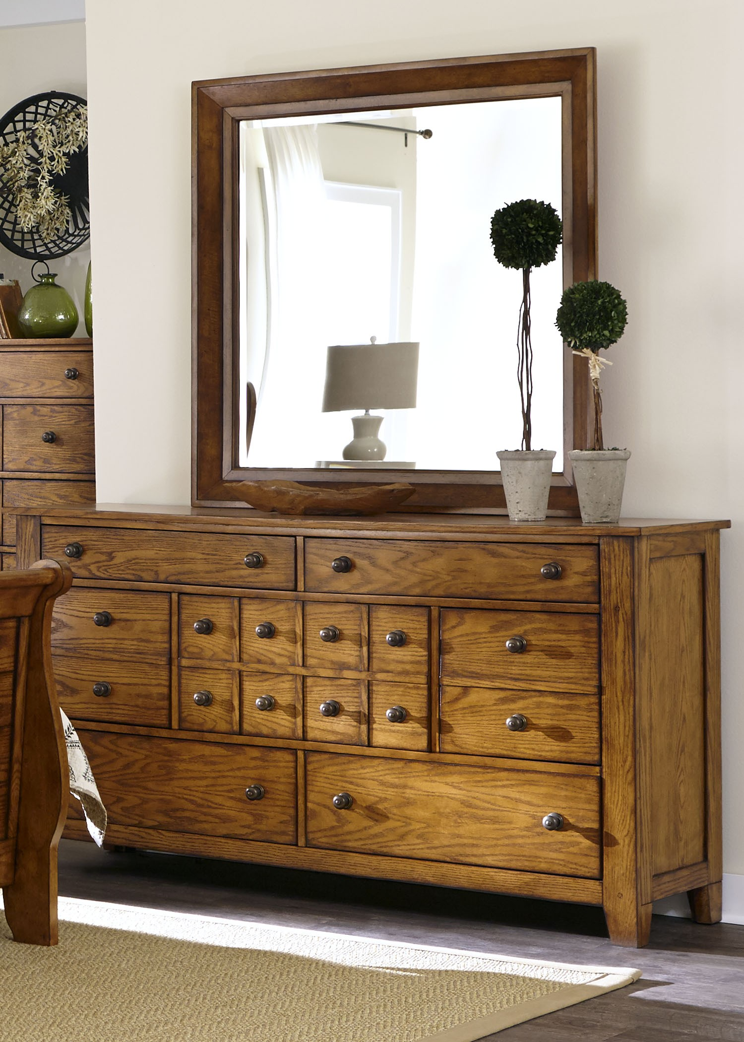grandpa s cabin aged oak sleigh bedroom set 175 br qsl. Black Bedroom Furniture Sets. Home Design Ideas