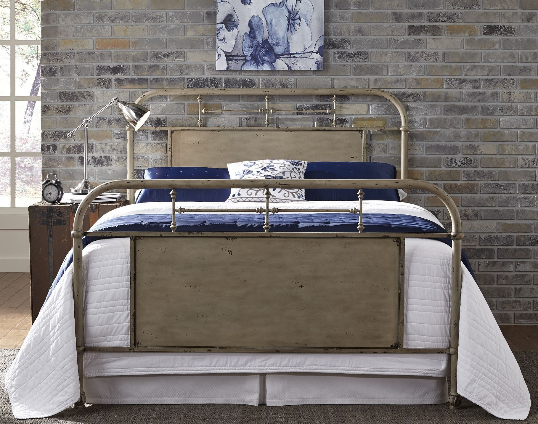 White Metal Bed Queen: Vintage Distressed White Queen Metal Bed From Liberty (179