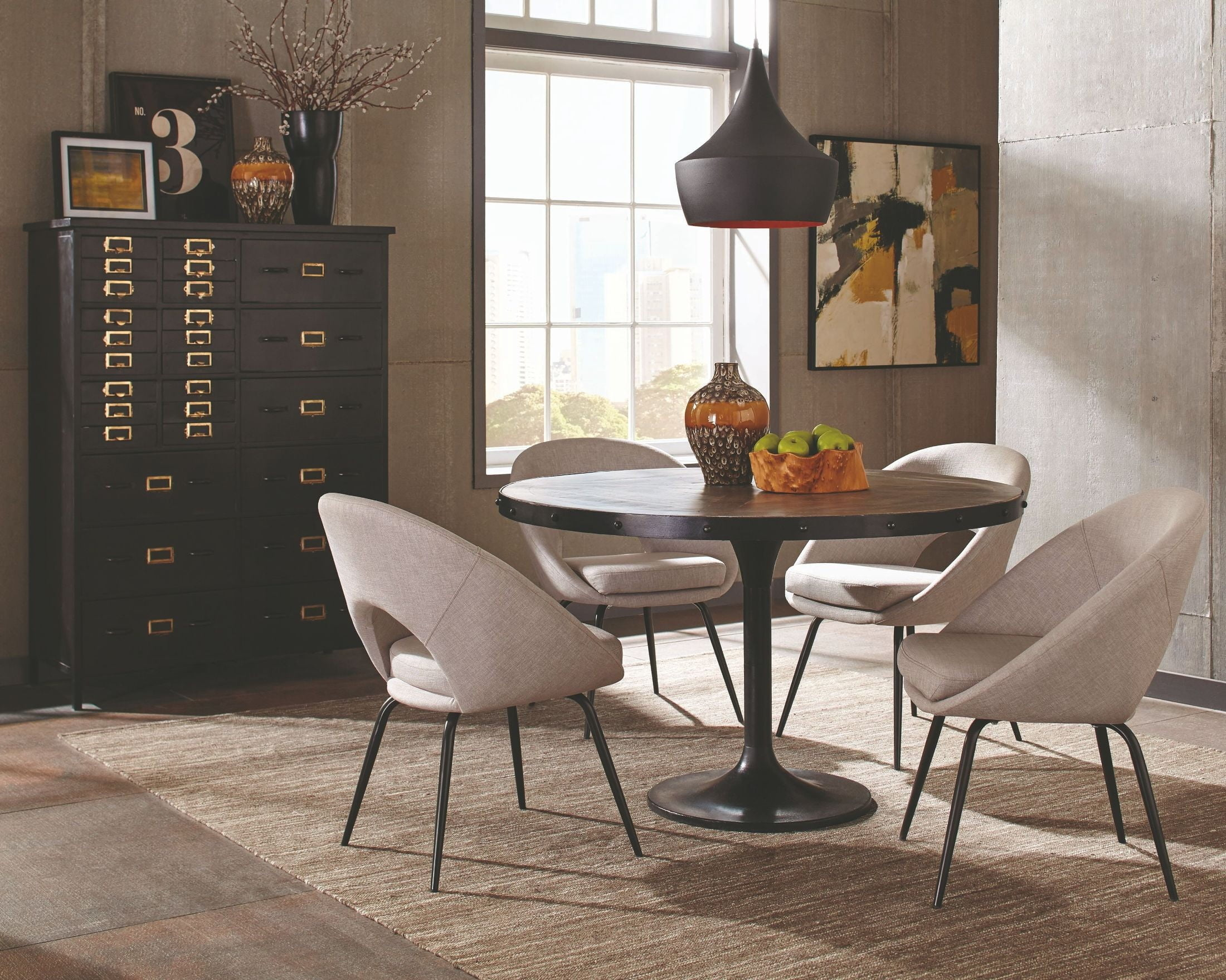 Mayberry Rustic Round Dining Room Set
