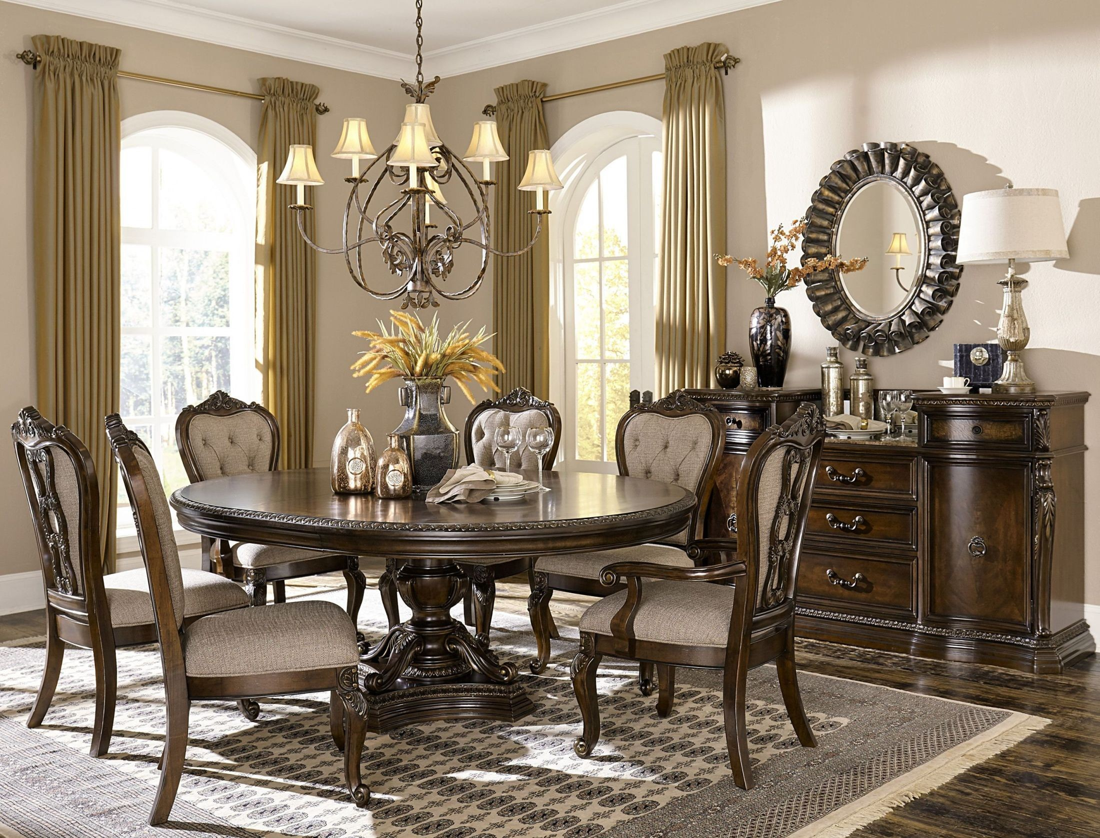 Bonaventure Park Cherry Extendable Dining Room Set From  # Muebles Nicasio Orono