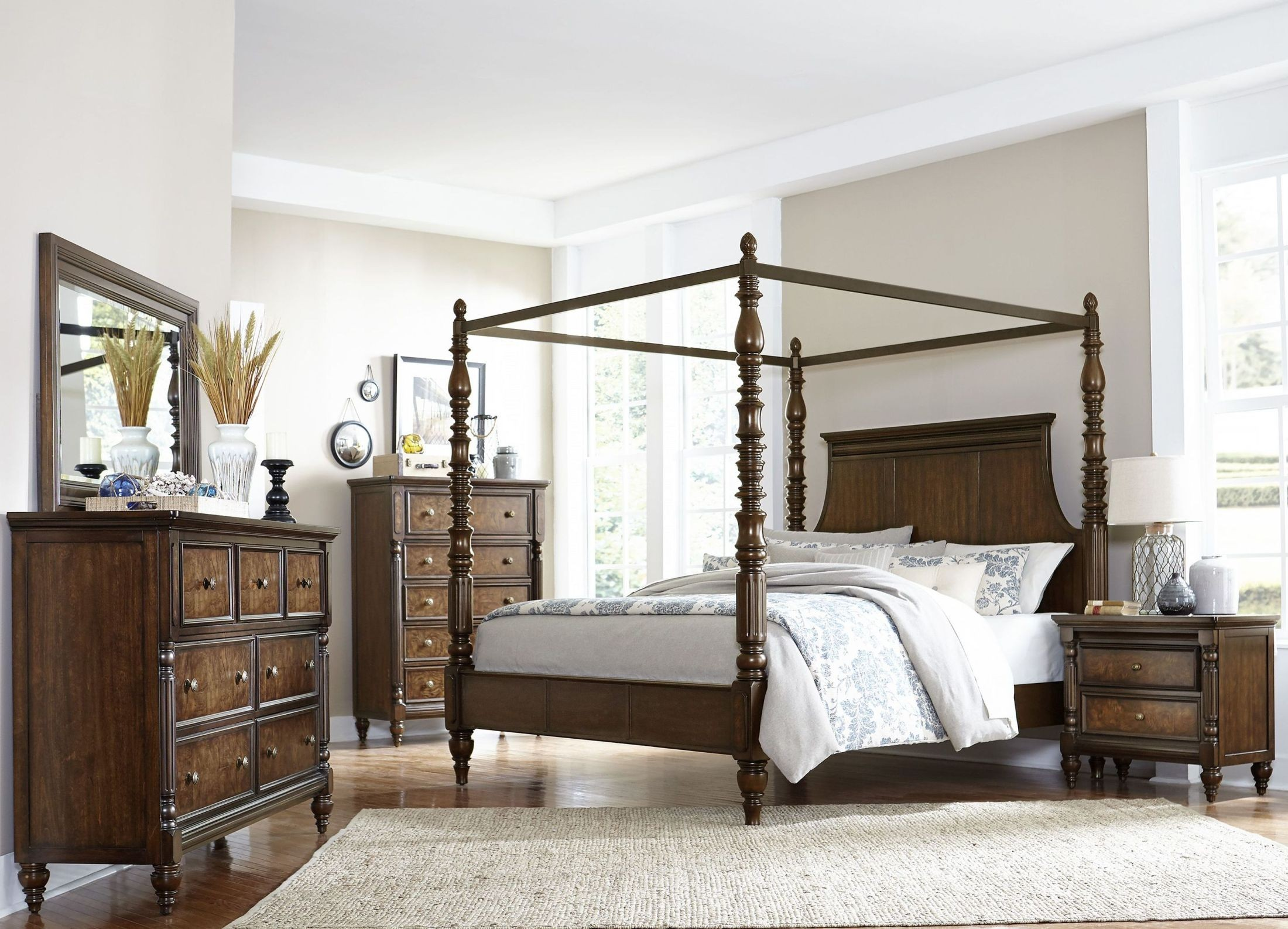 Verlyn Cherry Canopy Bedroom Set from Homelegance
