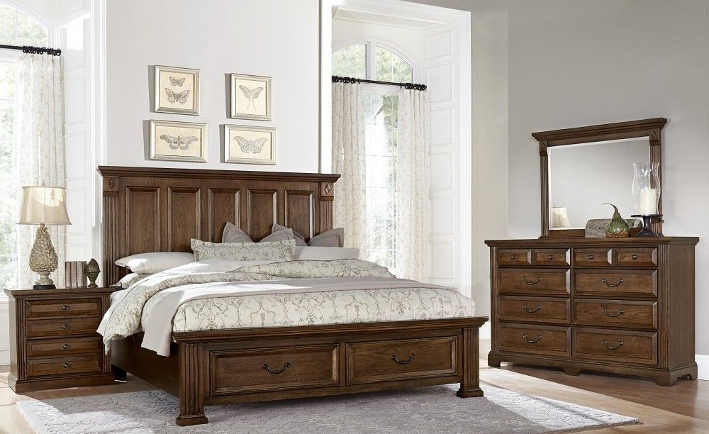 Woodlands Oak Mansion Storage Bedroom Set From Virginia
