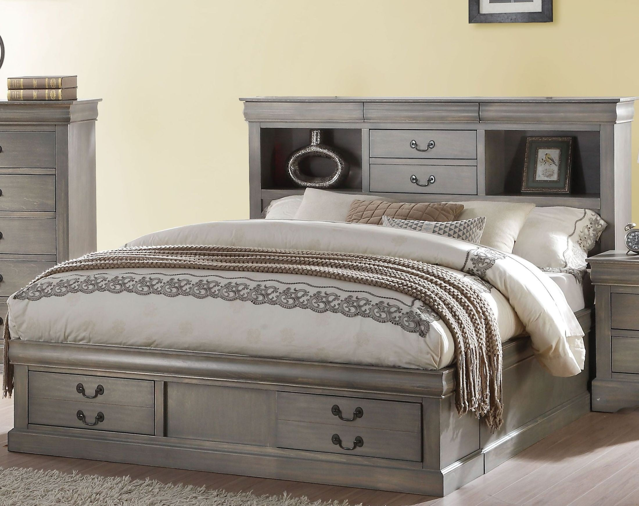 Acme Louis Philippe Queen Size Bed Antique Gray