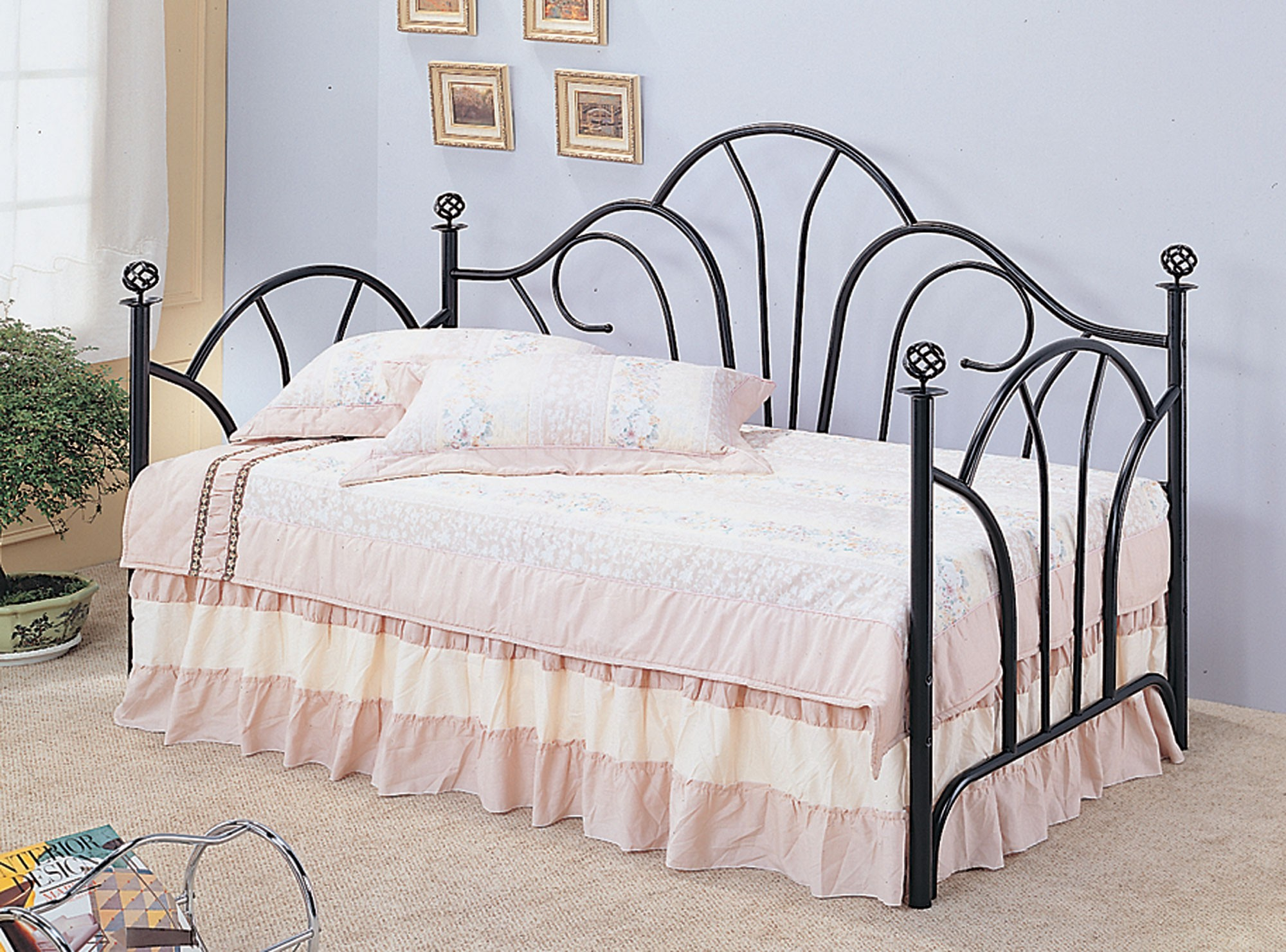 Black Twin Metal Frame Day Bed From Coaster Coleman