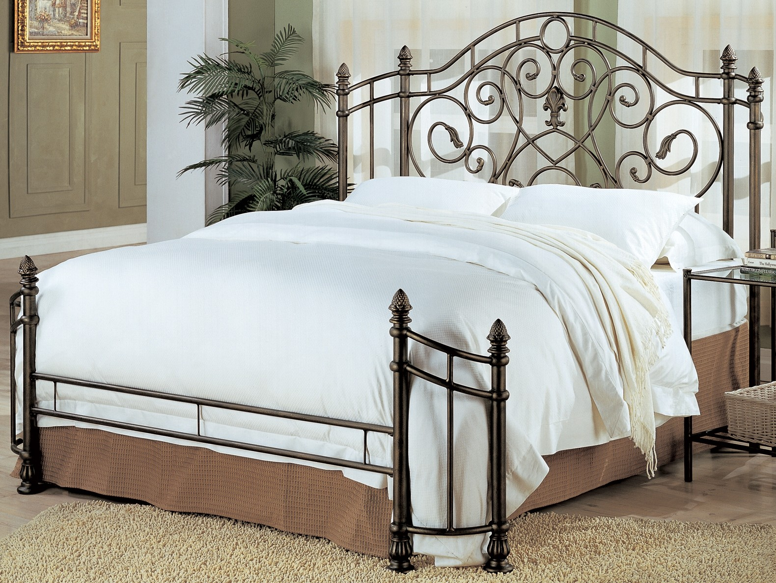 Beckley Queen Iron Bed From Coaster
